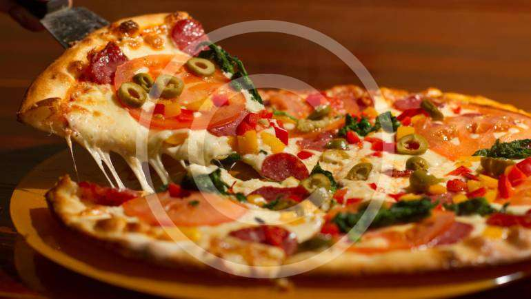Pizza Restaurateurs: Start Your Calorie Counters
